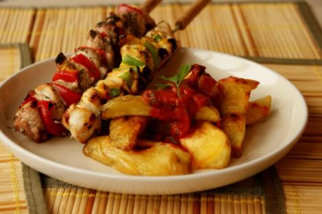 VIDEO! Reteta: frigarui Cortez cu cartofi aurii