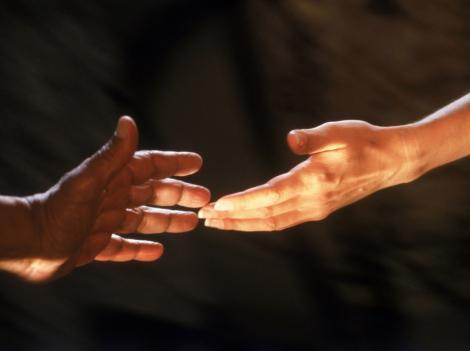 Studiu: Succesul in relatiile cu femeile depinde de lungimea degetelor!