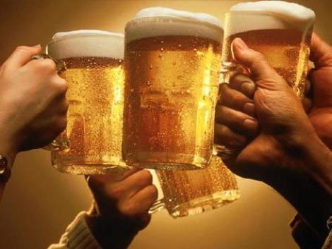 Romanii nu prea beau ceai, dar ii depasesc pe nemti la consumul de bere