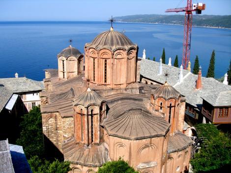 Alesii cer trei milioane de euro pentru un schit romanesc de pe Muntele Athos