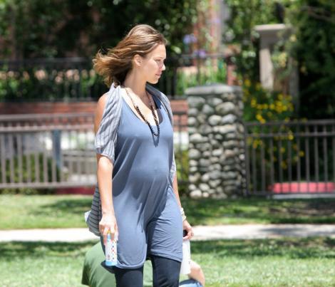 """Jessica Alba: """"A doua sarcina este mai grea pentru mine"""""""