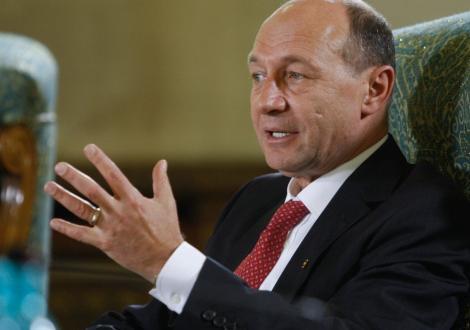"""Traian Basescu: """"Romania nu este o tara competitiva. Nu se mai poate trai din imprumuturi"""""""