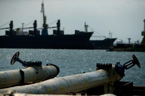 Marea Neagra: Focuri de arma in incercarea de a opri un pescador turcesc