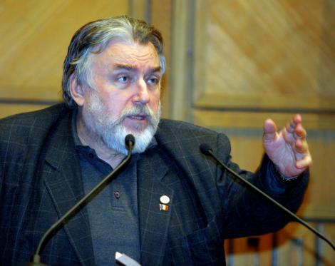 Adrian Paunescu, un gladiator al poeziei romanesti