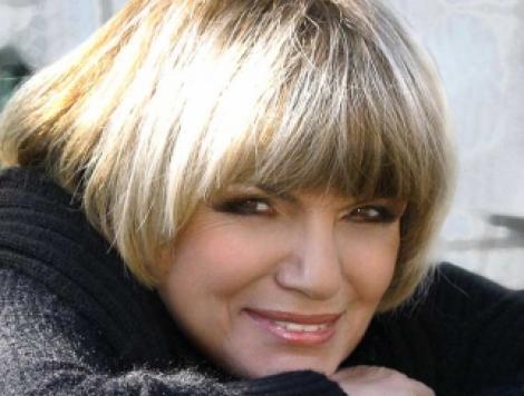 Expozitie de costume din filme semnata Doina Levintza