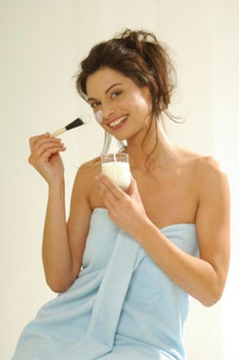 Scapa de riduri cu iaurt