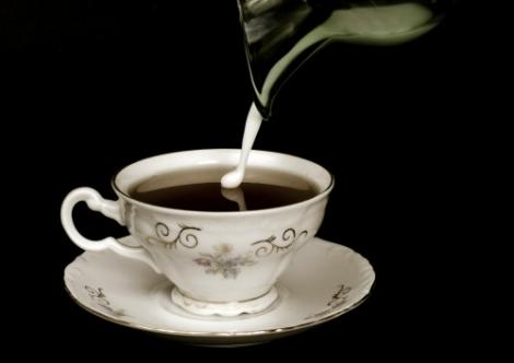 Studii traznite: reteta perfecta de ceai cu lapte