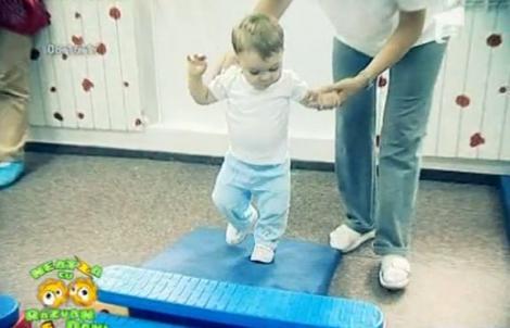 VIDEO! Beneficiile kinetoterapiei si gimnasticii pentru copii