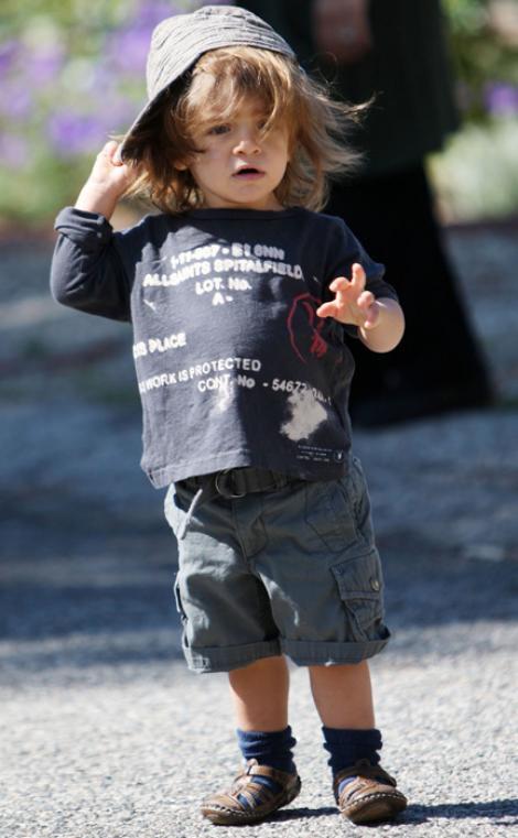 FOTO! Levi, fiul lui Matthew McConaughey, adora palariile