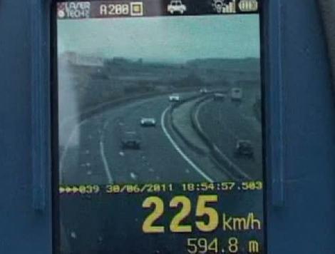 Record de viteza pe A1: Un sofer, prins cu 225 km/h