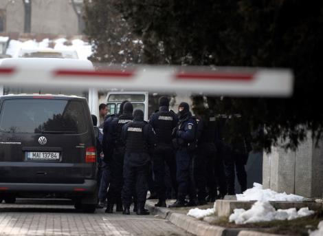 """21 de inculpati din """"lotul Agigea"""" raman in arest"""