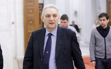 "Ilie Sarbu: ""Manipulare, dezinformare, minciuna si slugarnicie - numele vostru e Sebastian Lazaroiu"""