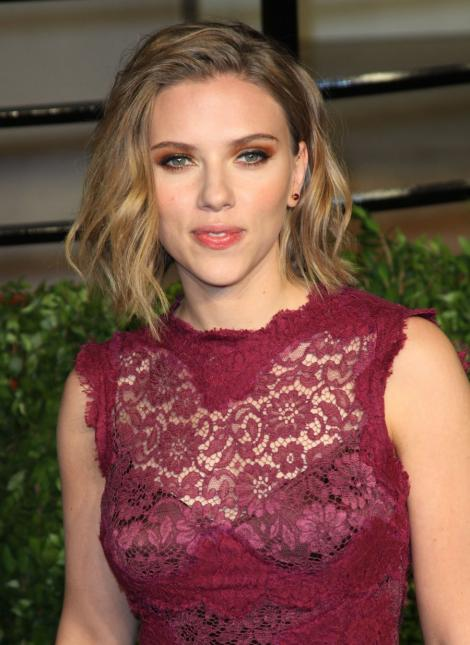 Scarlett Johansson s-a cuplat cu Justin Bartha