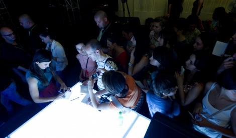 A plouat cu autografe la Iasi, la auditiile X Factor