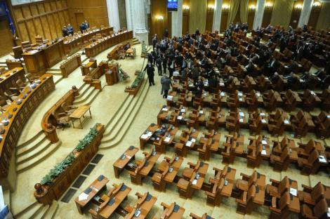 Deputatii, ineficienti: Doar doua initiative au devenit legi in 2011