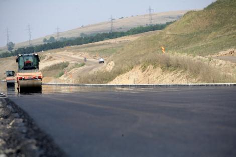 Constructorii Autostrazii Arad-Timisoara promit ca va fi circulata din decembrie