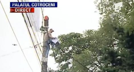 UPDATE! Protestatarul de la Cotroceni, audiat la sectia 22 din Capitala