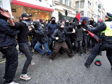 Bilantul revoltelor din Anglia: Peste 220 de milioane de euro!