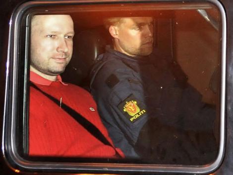 SOCANT! Anders Behring Breivik a filmat masacrul de pe insula Utoya