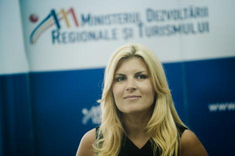 Elena Udrea spera ca Romania va putea reveni in 2012 la nivelul salariilor din 2010