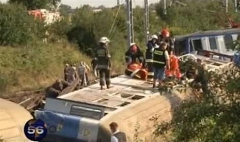 Polonia: Un mort si zeci de raniti, in urma unui accident feroviar