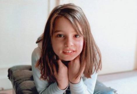 Geniu la 10 ani: o fetita canta la pian alaturi de virtuozi