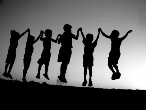 Cum iti ajuti copilul sa isi faca prieteni
