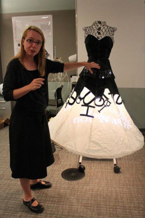 Microsoft a creat prima rochie high-tech!