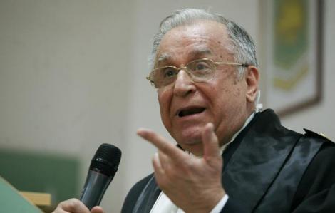 Ion Iliescu vrea revenirea la votul pe liste
