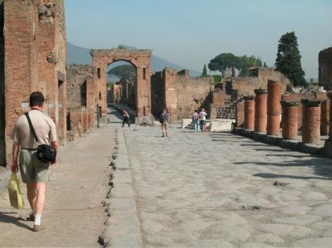 """FOTO! Pompei - orasul in care """"traieste"""" inca civilizatia romana"""