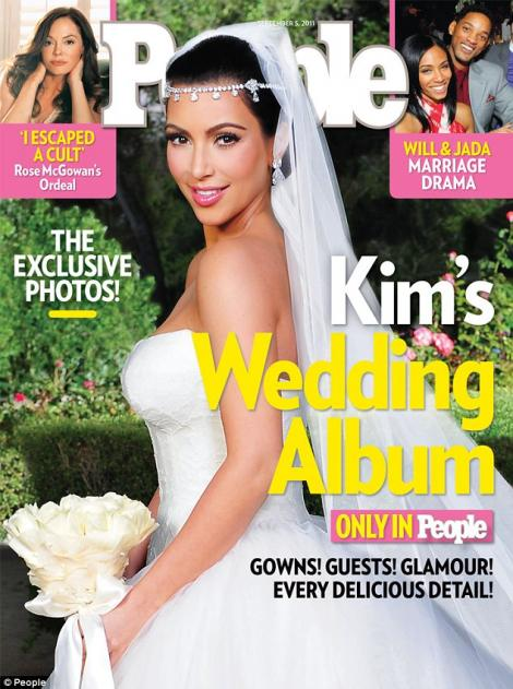 Kim Kardashian si-a scos sotul din pozele oficiale de nunta