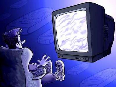 Studiu: Privitul la televizor scurteaza viata