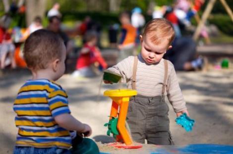 Ce trebuie sa stii despre dezvoltarea copilului intre unu si trei ani