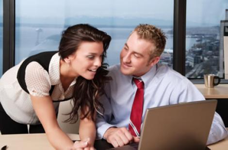 Afla adevaratele motive ale flirtului la birou!