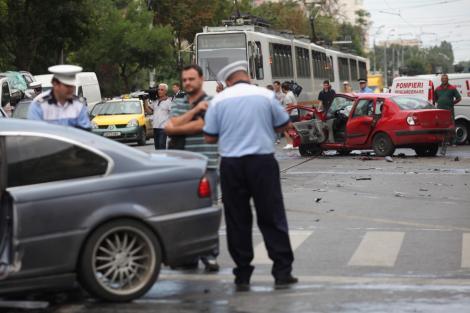 UPDATE! Dosar penal pentru fiul consilierului PDL din Tulcea care a provocat un accident in lant in Capitala