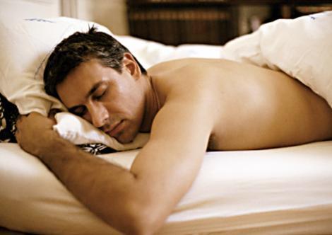 Somnul neregulat poate duce la probleme cardiace in randul barbatilor