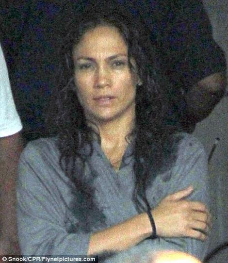 FOTO! Vezi cum arata Jennifer Lopez nemachiata!