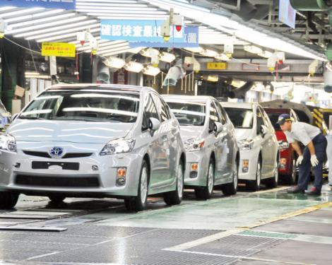 Toyota a coborat pe locul 3 la vanzari, dupa VW si GM