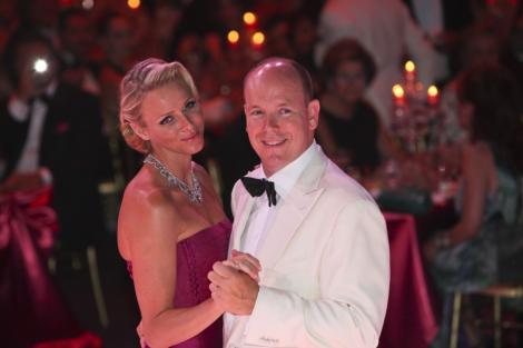 VIDEO! Cuplul regal de la Monaco, brat la brat