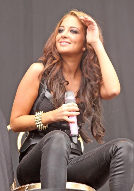 Tulisa Contostavlos, jurata X Factor din Uk, lupta din greu cu presiunea pe care megashow-ul a pus-o pe umerii ei