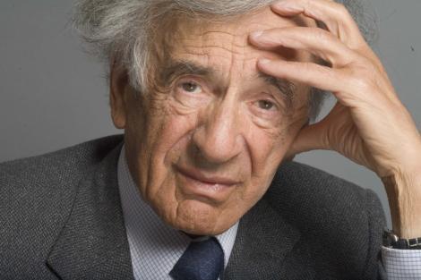 Un supravietuitor al Holocaustului: Scriitorul Elie Wiesel este un impostor
