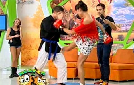 VIDEO! Claudette s-a batut cu pumnii si picioarele la Neatza!
