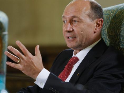 Basescu despre Bechtel: Un contract nefericit. Ambii parteneri au vrut sa fure