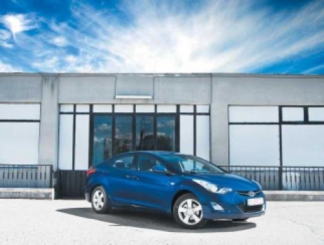 Hyundai Elantra, sedan de familie