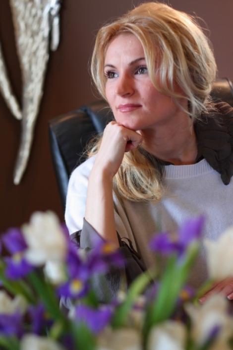 """Andreea Paul Vass se vede """"Doamna de fier"""" a Organizatiei de femei a PDL"""