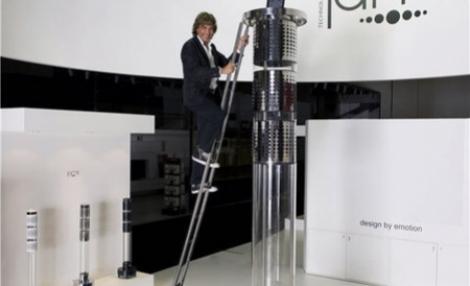 FOTO! Dock pentru iPod dus la extrem de Jean Michel Jarre: 3,3 metri inaltime si 10.000 de wati