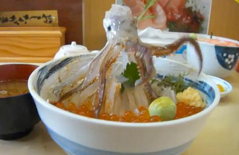 FOTO! Calamarul care invie in farfurie