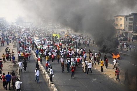 FOTO! Cum se protesteaza in Nigeria: 8 milioane de oameni au iesit in strada