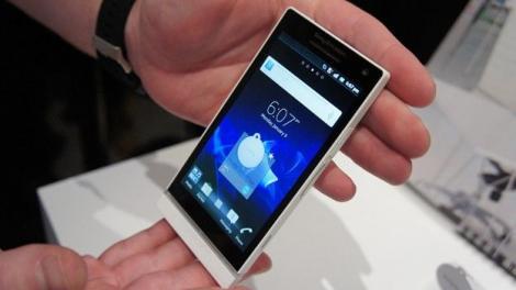 Sony a lansat primul telefon dupa divortul de Ericsson