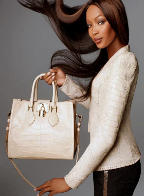 FOTO! Naomi Campbell, photoshopata in ultimul pictorial? Are nevoie modelul de editare foto?